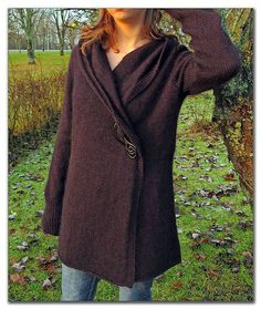 free ravelry pattern -- it has a hood too!