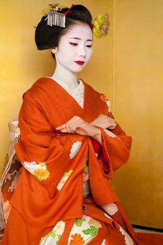 Geisha Japan, Geisha Art, Kimono Japan, Japanese Kimono, Japanese Beauty, Asian Beauty, Look Kimono, Harajuku, Art Japonais