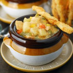 It's gotten colder since this morning! Warm up with a bowl of Slow Cooker Chicken Pot Pie Soup. #recipe #yummy