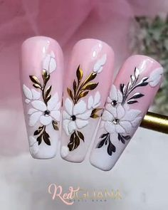 Rose Nail Art, Rose Nails, Flower Nail Art, New Nail Art, Nail Art Designs Videos, Nail Art Videos, Acrylic Nail Designs, Christmas Nail Polish, Christmas Nail Designs