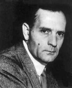 """Edwin Hubble (Marshfield, 1889) played a crucial role in establishing the field of extragalactic astronomy and was one of the most important observational cosmologists of the 20th century. Hubble is known for showing that the recessional velocity of a galaxy increases with its distance from the earth, implying the Universe is expanding. He also provided substantial evidence that many objects then classified as """"nebulae"""" were actually galaxies beyond the Milky Way."""