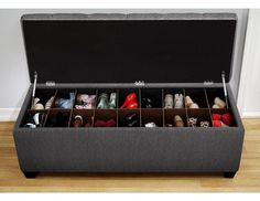 La structure du coffre vous permet de placer et de récupérer facilement vos chaussures sans prendre trop de place.Une fois que vous aurez rangé toutes vos chaussures, fermez le coffre, et vous aurez un banc confortable pour vous asseoir.