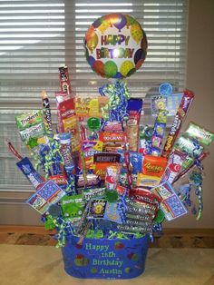 Birthday Gifts Baskets For Her Candy Bouquet 44 Ideas Boy 16th Birthday, Birthday Gift Baskets, Diy Gift Baskets, Diy Birthday, Birthday Presents, 18th Birthday Ideas For Boys, Candy Baskets, Birthday Bouquet, Birthday Candy