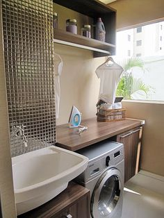Construindo Minha Casa Clean: 35 Ideias de Lavanderias e Áreas de Serviço Decoradas! Laundry Decor, Laundry Room Design, Small Laundry, Laundry Area, Living Room Designs, Sweet Home, New Homes, Home Appliances, House Design