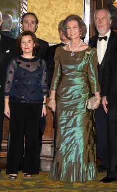 Queen Sofia of Spain (R) attends the Circulo de Liceo award ceremony at the Gran Teatre del Liceu on February 20, 2017 in Barcelona, Spain.
