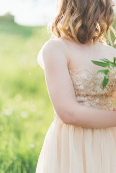 Bluebells wedding dress | Romantic Ethereal wedding inspiration { Fresh and Subtle Shades } Photography : pshefter.com | read more on fabmood.com #weddinginspiration :