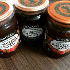 #Scarlet #Liliana #SLP #맛있는쨈쨈 #쨈추천 #맥케이 #맥케이쨈 #맥케이영국식과일쨈 #멕케이딸기쨈 #맥케이블루베리앤블랙커런트쨈 #맥케이라즈베리쨈 #Mackays #과일쨈 #Strawberry #Blueberry&Blackcurrant #Raspberry #20150421. 먹어본 외국쨈들 중,, 내 입맛에 가장 잘 맞는 #맥케이쨈 emoji. 뭉치지 않으면서 발림이 좋으며 부드러운 맛있는 맛이다!. #맥케이딸기쨈 은 노멀,,, .. #맥케이라즈베리쨈 은 씨가 많이 씹히는데 톡톡 터지는 그 느낌이 좋고,, #맥케이블루베리앤블랙커런트쨈 은 동글동글한 #베리 가 큼지막하게 들어있음에도 불구하고 부드럽게 씹혀 참 맛있다 :) 정말 맛보라 하고 싶은 #맥케이쨈 ^^