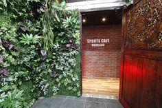 スポーツ&カラオケカフェ バードランド SPORTS&KARAOKE CAFE BIRD LANDの外観1