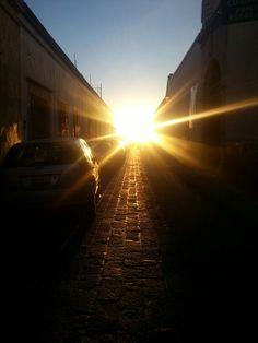 Atardecer en las callejuelas del CH de Querétaro.