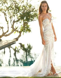 Luckily, sexy elegance has made its way down the aisle. Designers aren't afraid to combine traditional and  sexy styles together and modern day brides aren't afraid to wear them. It's their big day, so they can wear what they want, right? Are you brave enough to wear a sexy wedding dress when you walk down the aisle? If the …