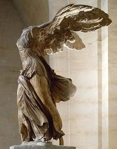 Nikè de Samotracia, Victoria de Samotracia, Victoire de Samothrace, Νίκη της Σαμοθράκης.  Greece 190 B.C.  Musee du Louvre, Paris - France
