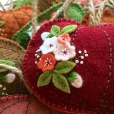 Fabric And Ink and Everyday Life: Embroidered Hanging Pumpkins Felted Wool Crafts, Yarn Crafts, Felt Crafts, Fabric Crafts, Sewing Crafts, Sewing Projects, Crafts For Boys, Arts And Crafts, The Quilt Show