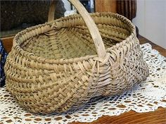 ITEM #RA-13   This is an antique Victorian circa late 1800s- early 1900s splint white oak double buttock basket.   Basket has a single bentwood handle attached to the basket with hand forged nails from the inside   . Basket measures approx 10 tall, 12 long and 10 wide.   Condition: Very good antique condition with typical wear due to age and handling.   Basket has been very well preserved. Solid sturdy construction, very stable and remarkably intact. There are a few splits and/or fraying...