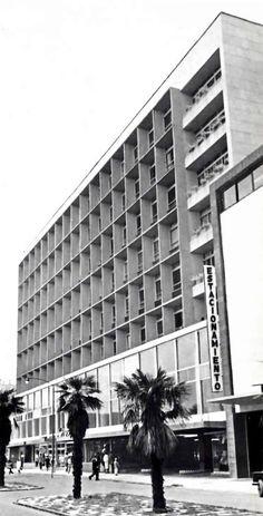 Edificio Comercial y Estacionamiento, Lafragua, Tabacalera, Cuauhtémoc, México, DF 1953  Arq. José Villagrán García -  Commericial Buildng with Parking on Lafragua, Tabacalera, Mexico City 1953Una Vida Moderna: Photo