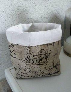 Pot en lin imprimé et linge ancien