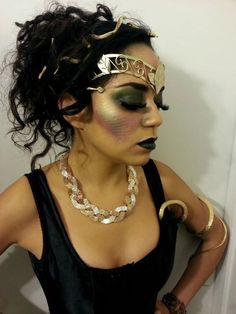 Halloween Outfits, Halloween Fancy Dress, Medusa Halloween Costume, Halloween Kostüm, Medusa Costume Makeup, Toga Party, Gold Outfit, Medusa Hair, Carnival