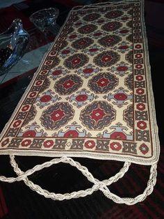 Cross Stitch Patterns, Bohemian Rug, Rugs, Punto De Cruz, Dots, Pattern, Embroidery, Farmhouse Rugs, Rug