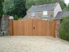 Installation, maintenance and repair of hardwood electric gates in London and the Home Counties. Wooden Electric Gates, Electric Driveway Gates, Gates Driveway, Driveway Ideas, Fence Ideas, Garden Ideas, Timber Gates, Wooden Gates, Drive Gates