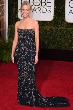 Golden Globes 2015 Best Dresses : Joanne Froggatt- best supporting actress in a series for Downton Abbey - love this Marchesa gown! Golden Globe Award, Golden Globes, Stunning Dresses, Nice Dresses, 2015 Dresses, Dress Outfits, Fashion Dresses, Marchesa Gowns, Rhapsody In Blue