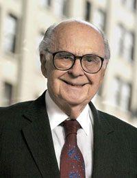 En 1950 John Hill i Hharold Burson eren els pioners de les RR.PP. Burson va obrir la seua companyía en 1953, a l'any 2001 tenía 259 milions de dólars en honoraris i més de 2000 empleats en 34 paisos.