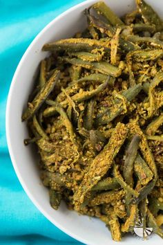 When cooked right, Okra is delicious! One taste of this Easy Curried Okra recipe, otherwise known as Bhindi Masala, will instantly make you an Okra lover! Okra Recipes, Vegan Recipes Easy, Indian Food Recipes, Free Recipes, Top Recipes, Amazing Recipes, Brunch Recipes, Delicious Recipes, Vegan Appetizers