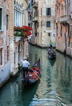 Canals of Venice, Italy.  Photo: pxleyes.com/photography/Italy