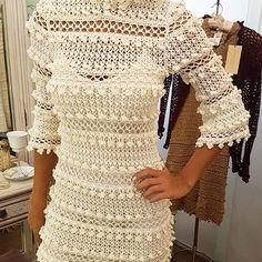 Crochet for Women Crochet Skirts, Crochet Blouse, Crochet Clothes, Crochet Lace, Vanessa Montoro, Knitting Patterns, Crochet Patterns, Crochet Wedding Dresses, Diy Crafts Crochet