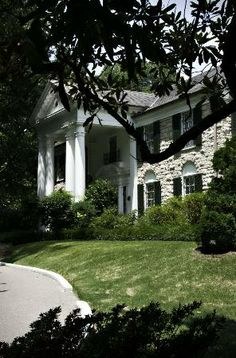 {*Elvis's beautiful home Graceland out the front Elvis's bedroom top right*}