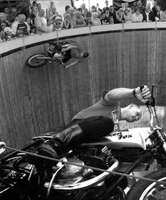 Motoblogn: Motoblogn Explores - The Wall Of Death