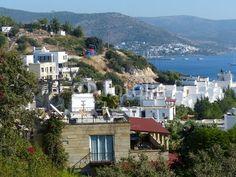 Ferienanlage in Bodrum mit Blick auf die Ägäis in der Provinz Mugla in der Türkei