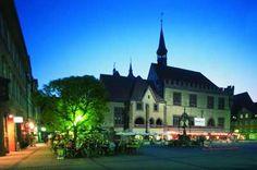 Göttingen_01 Market Square and Old City Hall at night