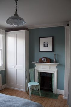 Living Room Inspiration Blue Farrow Ball New Ideas Bedroom Wardrobe, Master Bedroom, Bedroom Decor, Bedroom Corner, Bedroom Furniture, Bedroom Ideas, Farrow Ball, Farrow And Ball Bedroom, Oval Room Blue