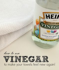 5 vinegar cleaning tips - How to use vinegar to make your old towels soft and fluffy again. Tons of other great vinegar cleaning tips in this post, too! Green Cleaning, Spring Cleaning, Kitchen Cleaning, Cleaning Recipes, Cleaning Hacks, Cleaning Supplies, Grand Menage, Vinegar Uses, Old Towels