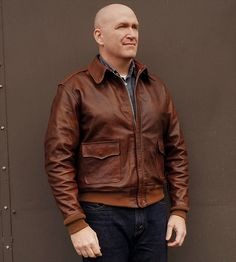 Click this image to show the full-size version. Men's Leather Jacket, Bomber Jacket Men, Leather Jackets, Air Force Jacket, Leather Fashion, Mens Fashion, Military Looks, Mens Gloves, Outfits With Hats