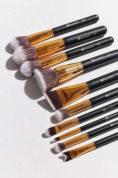 bh cosmetics 10 Piece Sculpt + Blend 2 Brush Set - Urban Outfitters