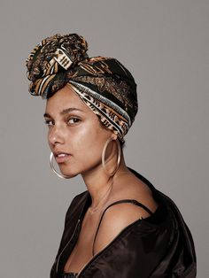 Alicia Keys - because you don't need make up to look beautiful. Mtv, Maybelline, Pretty People, Beautiful People, Curly Hair Styles, Natural Hair Styles, Headwraps For Natural Hair, Free Makeup, Black Is Beautiful