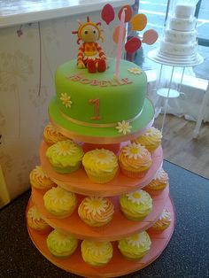 Upsy Daisy Cupcake Tower Garden Birthday, 2nd Birthday Parties, Birthday Cakes, Birthday Ideas, Daisy Cupcakes, Daisy Party, Cupcake Towers, Night Garden, Decorated Cakes