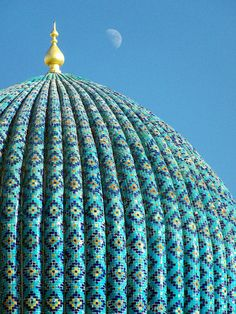 Samarkand. Turquoise & blue ribbed dome.   thunderbolts and sparks