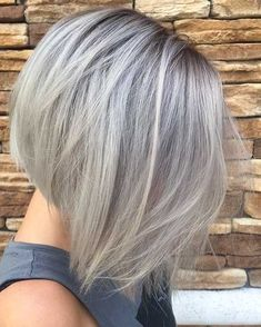How to style silver hair by silver grey hair in a concave bob vlasy hair . Grey Hair Wig, Silver Grey Hair, Short Grey Hair, Lace Hair, Short Hair Styles, Blonde Hair, Grey Bob Hairstyles, Wig Hairstyles, Concave Bob Hairstyles