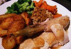 heston blumenthal ultimate roast chicken recipe in search of perfection perfect sunday lunch gravy stuffing roast potatoes recipes Roasted Potato Recipes, Roast Chicken Recipes, Heston Blumenthal, Bolognese Recipe, Stuffing, Gravy, Sunday, Potatoes, Lunch
