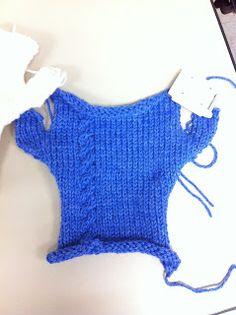 Machine Knitting Fun: Fingerless Gloves by Karalyn - Knitting 2019 - 2020 Fingerless Gloves Knitted, Knit Mittens, Lace Knitting, Knitting Stitches, Knitting Machine Patterns, Free Pattern, Addi Express, Free Fun, Yarn Crafts