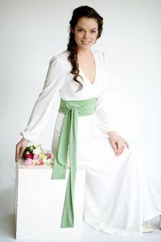 Brautkleider - Brautkleid Maiglöckchen creme- apfelgrün - ein Designerstück von Cordelia-Baethge bei DaWanda