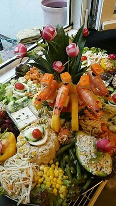 Morrocan Food, Moroccan Salad, Wine Cheese, Vegetable Salad, Appetisers, Appetizers For Party, Cobb Salad, Buffet, Food And Drink