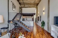 Beautiful This Particular Live/work Conversion Loft San Francisco Comes With Vaulted  Concrete Ceilings, Yet Its Design Can Not Be Described As Sober. Awesome Design