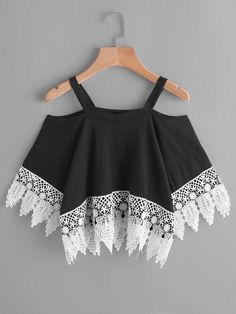 SheIn Cold Shoulder Contrast Crochet Lace Trim Tee Women Tops Summer 2017 Black and White Half Sleeve Crop T-shirt Crop Top Outfits, Cute Casual Outfits, Pretty Outfits, Stylish Outfits, Girls Fashion Clothes, Teen Fashion Outfits, Girl Fashion, Fashion Fashion, Vintage Fashion