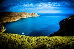 Sky and sea unite to make a mind-blowing view in Cala Joncols #aRoses #inCostaBrava