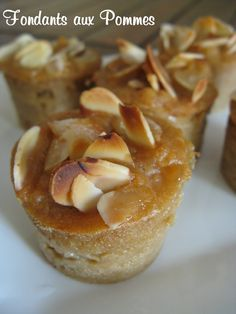 : Fondants with apples and salted butter caramel with salt of Guérande Gourmet Recipes, Sweet Recipes, Dessert Recipes, Cooking Recipes, Mini Cakes, Cupcake Cakes, Salted Butter, Cookies, I Love Food