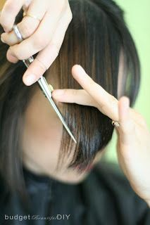 Budget Beautiful DIY: How To Cut Side Bangs - good tip for girls that have hair that grows super fast and don't want to go to the hair salon every 2 weeks! Hairstyles With Bangs, Diy Hairstyles, Pretty Hairstyles, Hairstyle Tutorials, Beautiful Long Hair, Gorgeous Hair, Cut Side Bangs, How To Cut Bangs, Wispy Bangs