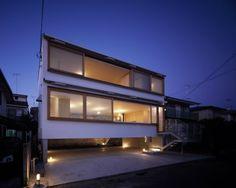 TEZUKA ARCHITECTS.  Raised Floor House.