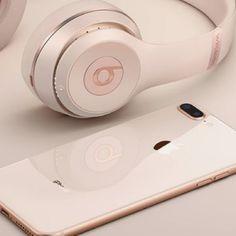 ιpнone 8 and beats headphones Cute Headphones, Beats Headphones, Bluetooth Headphones, Over Ear Headphones, Cute Phone Cases, Iphone Cases, Iphone 7, Accessoires Ipad, Mac Notebook